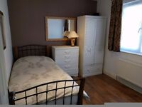 Good size single room available in Colliers Wood near Wimbledon. All bills included.