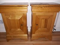 Solid Oak bedside cabinets x2 in great condition.