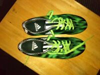 Addidas football boots size 6.