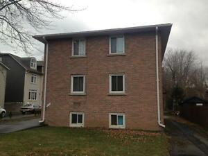 ATTN STUDENTS:  2 bedrooms steps from Queen's! 4- 234 Alfred St Kingston Kingston Area image 2