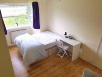 Large Double Room Close to Goodmayes station