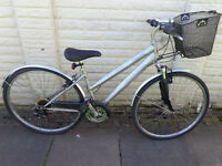 ladies ammaco hybrid bike, basket, new lights, d-lock ready to ride FREE DELIVERY