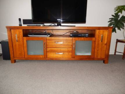 solid timber entertainment unit Greensborough Banyule Area Preview