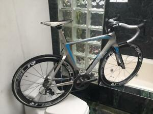 LIKE NEW (SIZE 56cm) GIANT PROPEL CARBON ULTEGRA ROAD BIKE