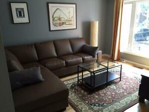 Upper Beach Apartment furnished  (239 Pickering Street)