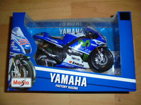 Boxed Die Cast Maisto YAMAHA FACTORY RACING No.99 (Lorenzo)
