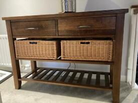 Kitchen unit with drawers and baskets