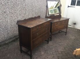 Antique 1920's oak dressing table and chest of drawers
