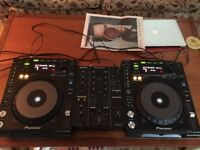 Pioneer CDJ 850 K (pair) + 350 DJM Mixer. Excellent condition. Home use only!