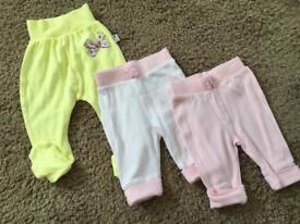💕 Baby girl 💕 2x joggers + 1 trousers - First size, 56