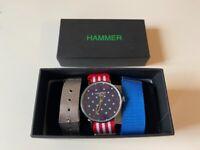 Men Wrist Hammer Flag Quartz Movement Watch 3 ATM in Coloured Fabric Strap
