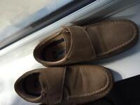 Walk Easy Men beige suede leather Size 8