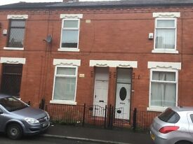 Ultra modern lovely unfurnished three bedrooms house to let moston M9 central manchester
