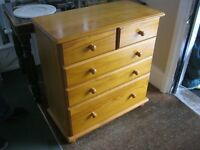 MODERN SOLID PINE CHEST OF DRAWERS. '2 OVER 3' LAYOUT. IDEAL AS IS OR PAINTED. VIEW/DELIVERY POSS