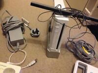 Nintendo Wii - unboxed - no remote - U draw included