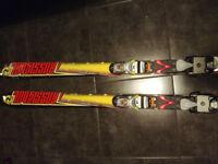 rossignol skis 184cm / trak nordic tour skis