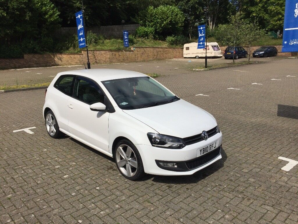 volkswagen polo 2010 1 4 white low mileage in slough. Black Bedroom Furniture Sets. Home Design Ideas