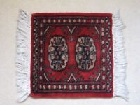 Tribal Square Red Rug 1x1