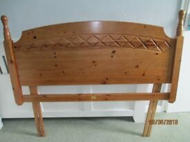 """Wooden Bed Head 4'6"""" in excellent condition"""