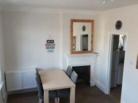 Large double room on holdenhurst road for rent
