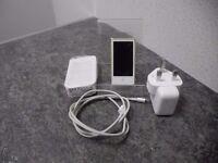 Ipod Nano 7th Gen 16GB W/CHARGER
