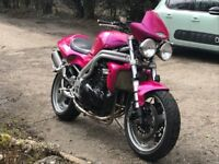 Triumph 955i speed triple ( nuclear red )