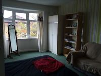 Three-bedroom flat for rent in Kelvindale, Glasgow