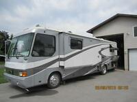 2001 AIRSTREAM XC360 Land Yacht with Hyrdralift Motorcycle Rack