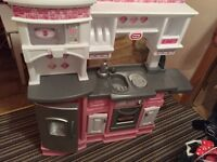 Childs kitchen - perfect for Xmas