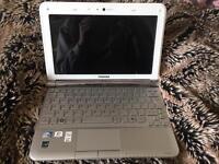Toshiba Mini Laptop *WHITE*