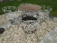 LOVELY VINTAGE FRENCH TABLE AND 4 CHAIRS SET WROUGHT IRON HAIR PIN LEGS BISTRO PATIO SET GARDEN
