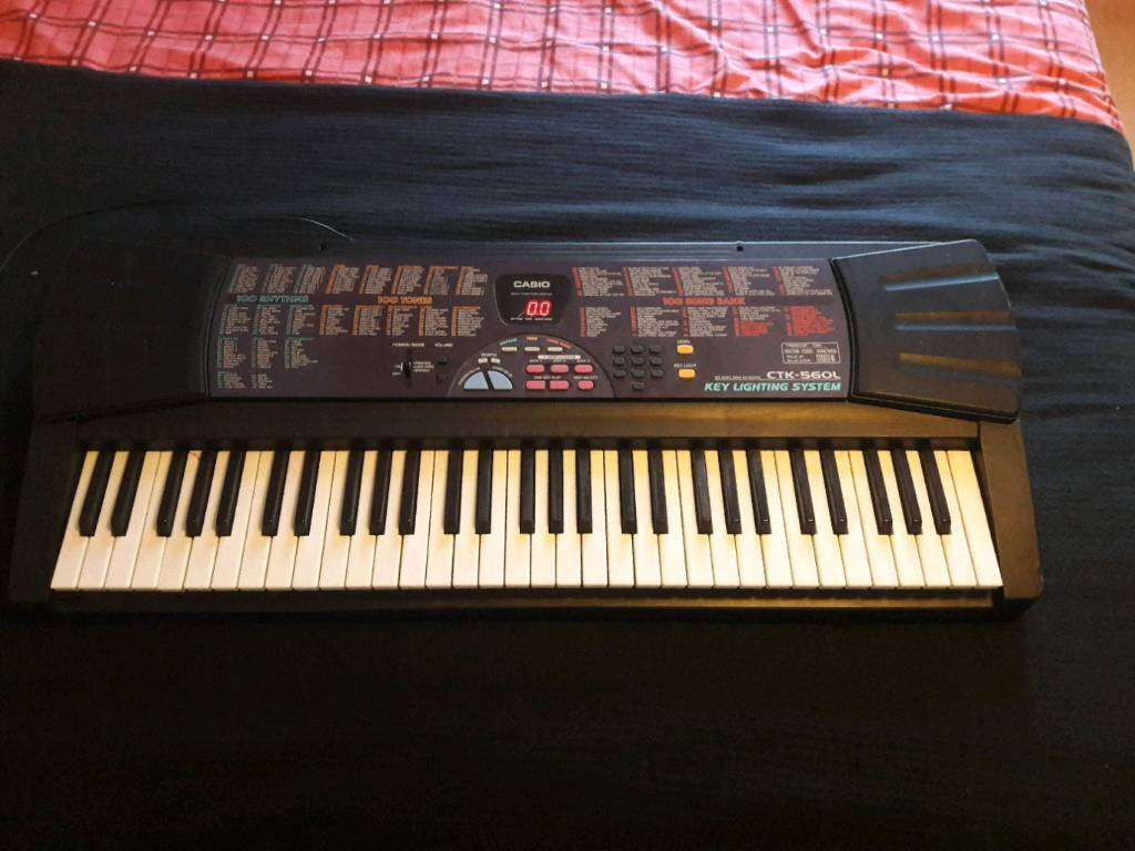 Casio electronic keyboard CTK-560L (with mains)