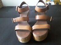 Size 7 gap limited edition sandals