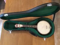 Vintage 1920s Gibson UB2 ukulele banjo and hard shell case