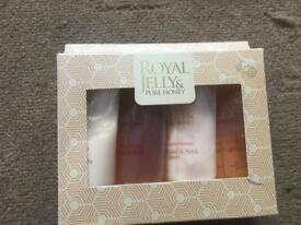 Royal jelly & pure honey