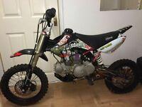 125cc stomp pit bike/ pitbike/ dirt bike/ scrambler/ demon x/ ktm