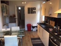 @@ Single room with double bed available now in a lovely house only £125pw@@