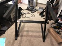 Solid Z-stand for keyboard/digital piano