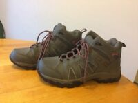 Ladies Trail Walker hiking boots. Size 5. Grey/pink. Hardly worn. Excellent condition.