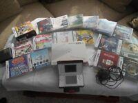 Nintendo DS Lite & 16 Games & 2 Giutar Hero Games