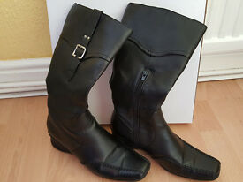 Size 6 Ladies Mid Calf Boots