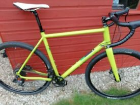 Pinnacle Arkose 2 Gravel/Road bike