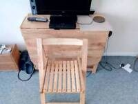Pine table folding chairs