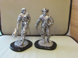 VERY RARE Pair of Cavaliers Figurines Statues from Silver Dreams by Leonardo