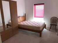 2 bed flat to share