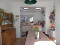 Outstanding 2 bed house available to rent in Plymouth - offered part-furnished