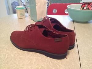 Women'sShoes:NEW Size 10  Suede Shoes.Mint.NWOT.Burgundy.