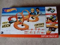 Hot Wheel Slot Car Track Set £20.00