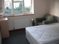 TWIN ROOM IN CLAPHAM COMMON (DOUBLE AND SINGLE BED) - £850 PCM - ALL BILLS