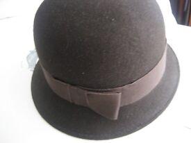 VINTAGE Hat, Cloche Wool Chocolate Brown
